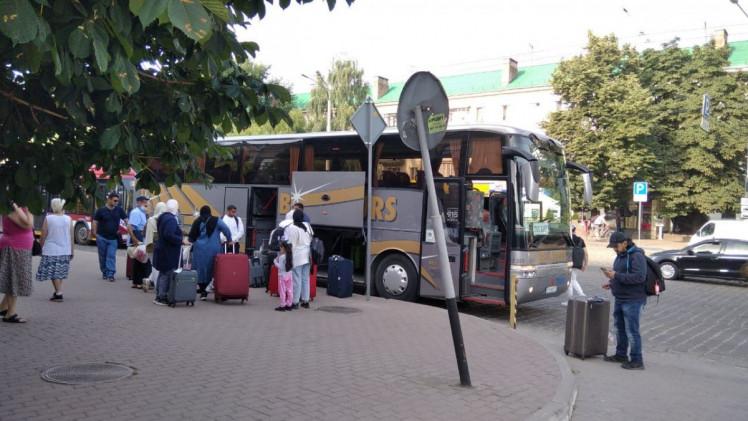 Як туристи з Саудівської Аравії гуляють Івано-Франківськом